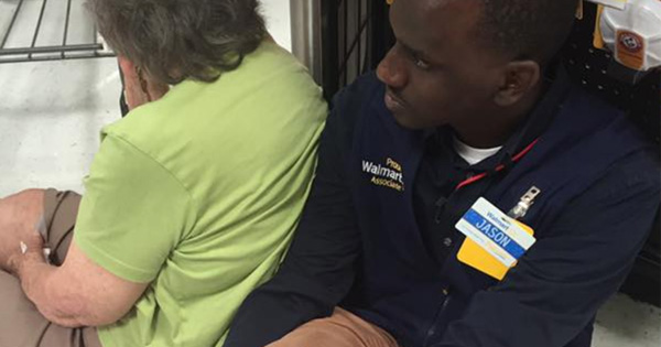 Walmart Employee Sits On The Floor During His Shift For One Incredible Reason